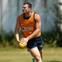 AFL 2016 Training - Gold Coast Suns 051216