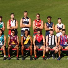 AFL 2018 Training - Gold Coast 160618